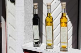 bottles-2415896_1920